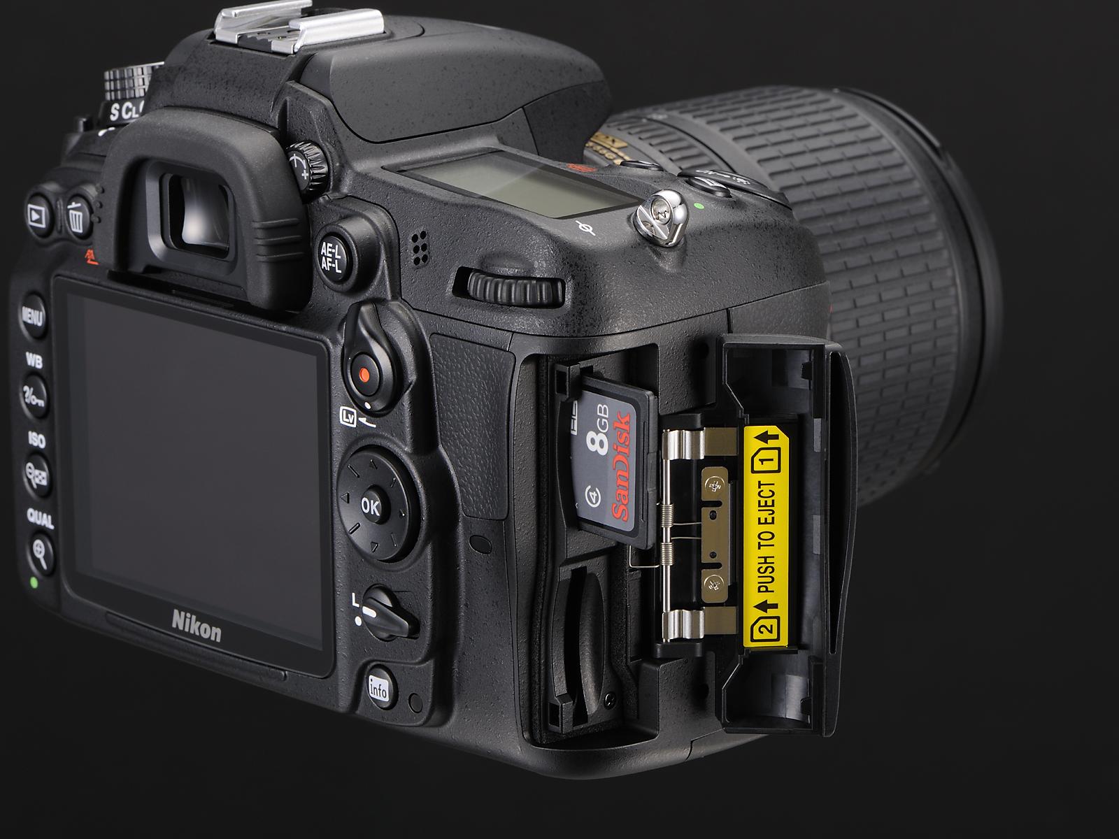 Nikon D7000 - 18